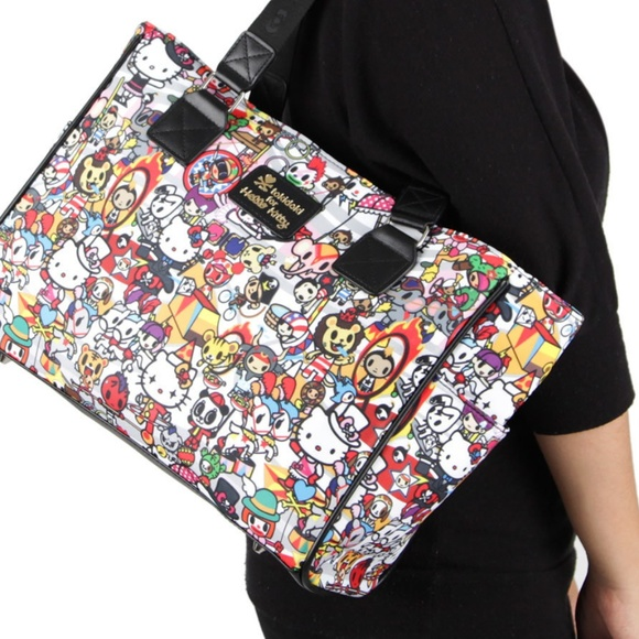 7adfe9dd5 tokidoki x hello kitty ▫ circus collection tote. M_5b6cac58a5d7c64f1eff9d45